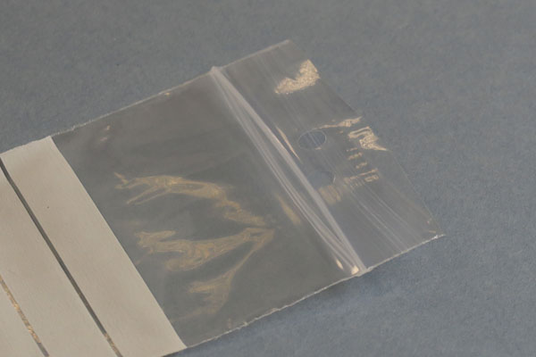 Beutel mit Beschriftungsfelder und Loch